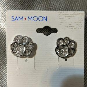 Sam Moon crystal puppy paw earrings ❤️